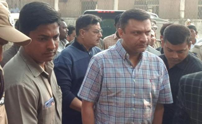 Akbaruddin Owaisi Attends A Hearing in Nirmal Court  - Sakshi