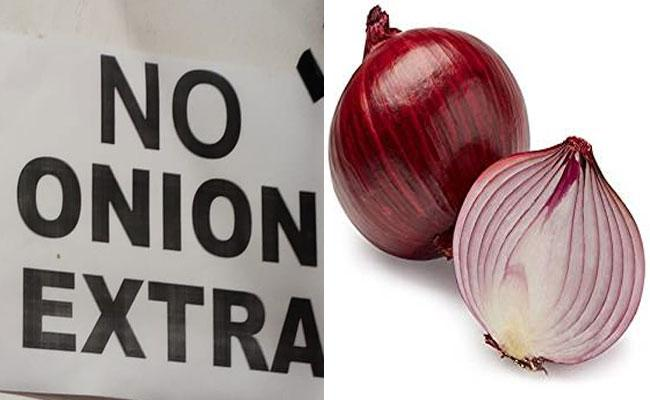 No Onion Board In Restaurants Due To Onion Price Hike - Sakshi