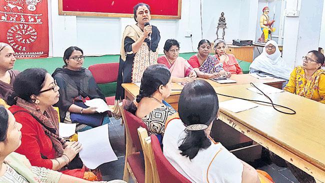 POW Sandhya Comments On Hyderabad Encounter - Sakshi