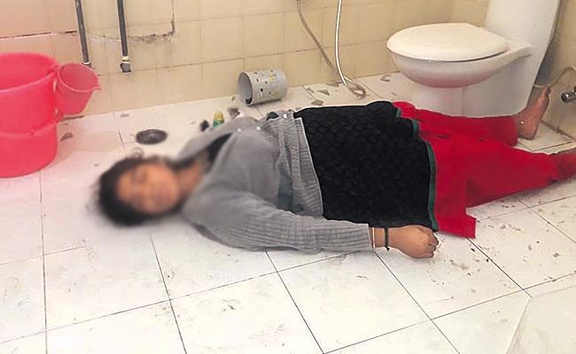 Doctor Sravani Commits Suicide in Hyderabad - Sakshi