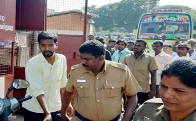 Man ties Mangalsutra around woman neck while Travel in Bus Tamil Nadu - Sakshi