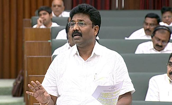 Education Minister Suresh, who introduced the School Education Regulation And Supervision Bill Into the Assembly - Sakshi