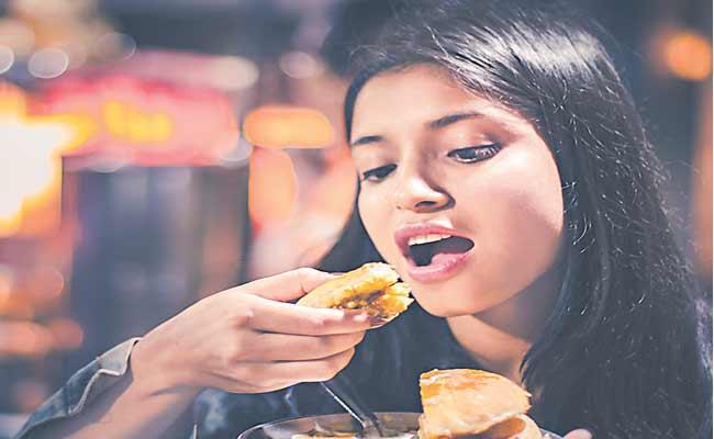 Junk Food May Increase Risk Of Breast Cancer - Sakshi