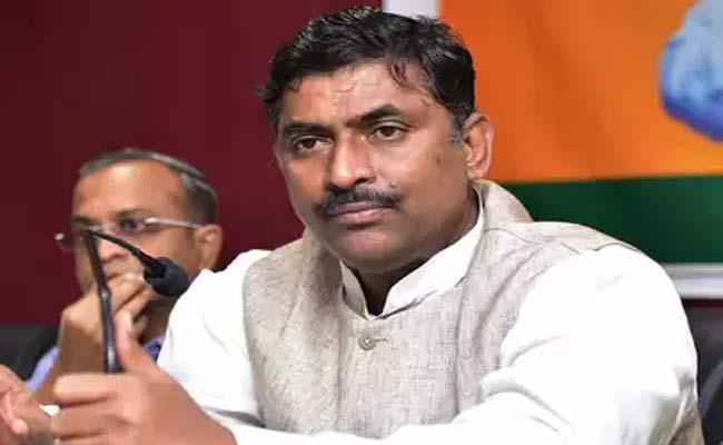 Muralidhar Rao Says TRS Is Our Main Political Enemy In The State - Sakshi