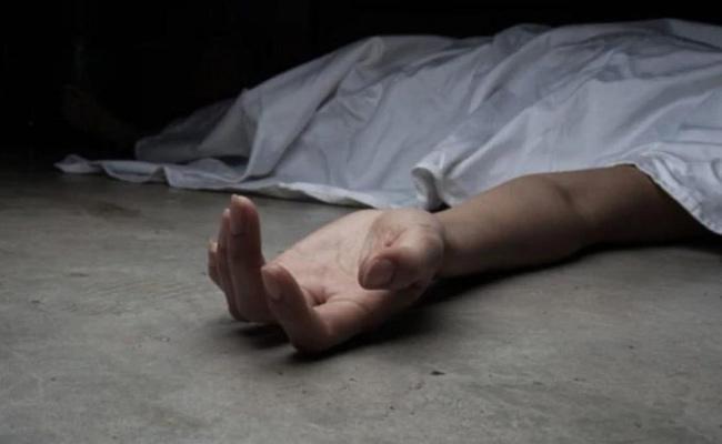Woman Kills Husband in Bhimavaram - Sakshi