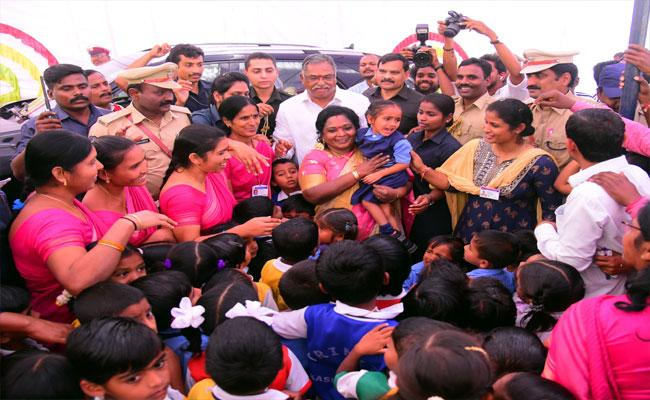 Governor Tamilisai Soundararajan Peddapalli Visit Highlights - Sakshi