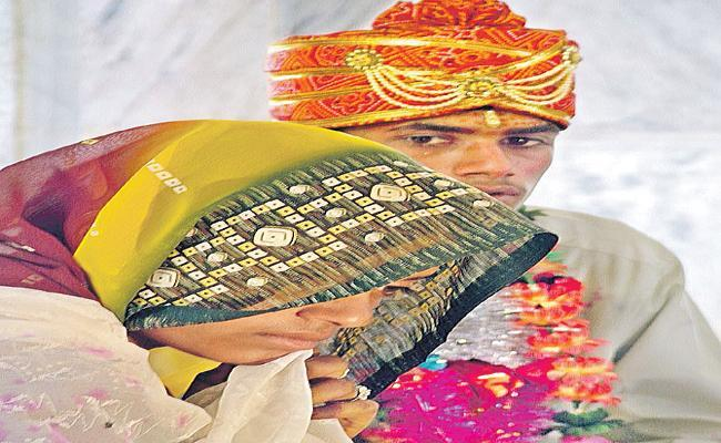 Girl Child Marriage While Loan Return Policy in Tamil nadu - Sakshi