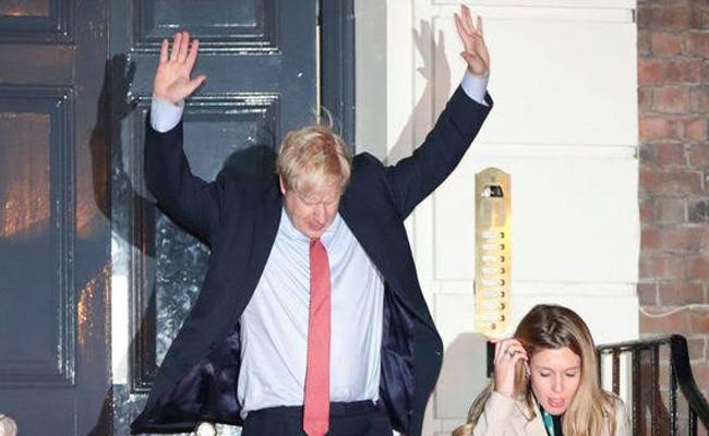 General election: Johnson wins huge victory in general election - Sakshi