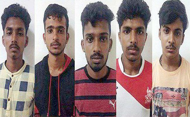 Bail Approved to Molestation Case Accused in Karnataka - Sakshi