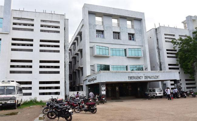 Adilabad RIMS Hospital Doctors Showing Negligence Of Duty - Sakshi