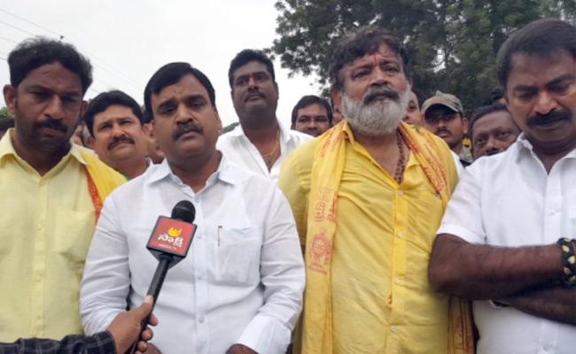 Deputy CM Amjad Basha Participated In Tirumala Maha Pada Yatra - Sakshi