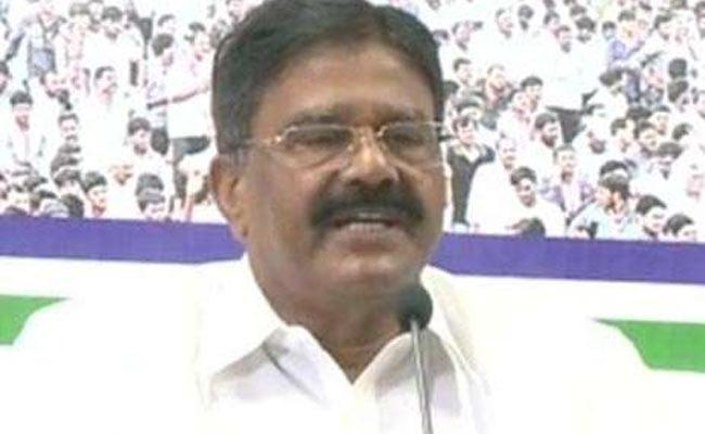 MLC Vennapusa Gopal Reddy Comments On Chandrababu And Lokesh - Sakshi