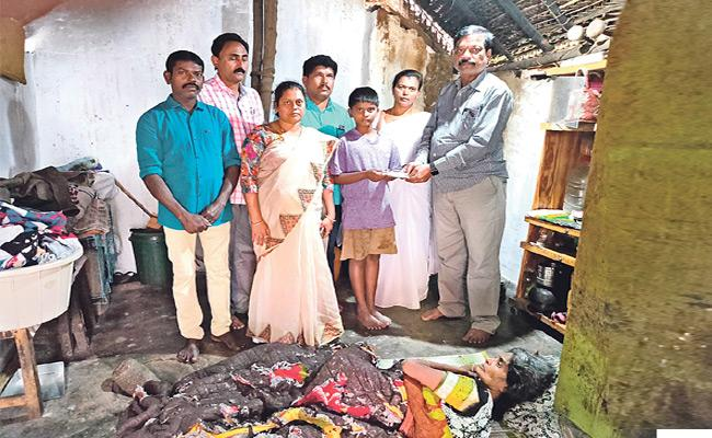 Andhra Pradesh Govt Helped to Palamaner Boy and His Mother - Sakshi