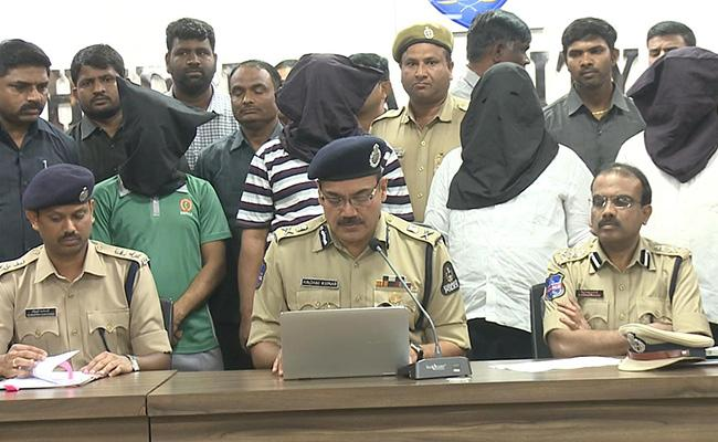 Accusers Arrested For Petrol Attack On Watchman Saranappa - Sakshi
