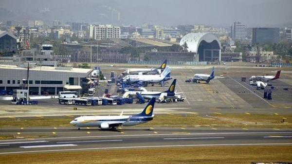 Indian airlines likely to post loss of over 600 million this fiscal year - Sakshi