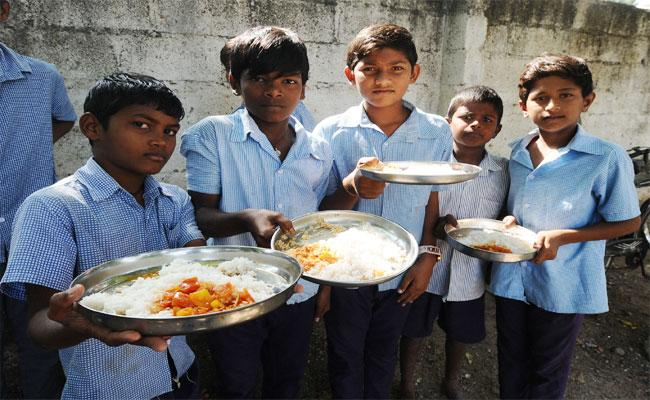 Low Quality In Mid day Meal Scheme In Nalgonda - Sakshi