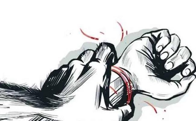 HYDERABAD: Rape in the Presence of Younger Sister - Sakshi