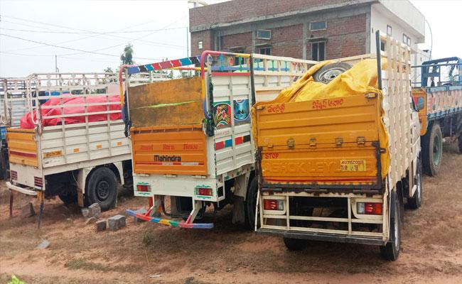Ration Rice Illegal Transport In Mahabubnagar - Sakshi
