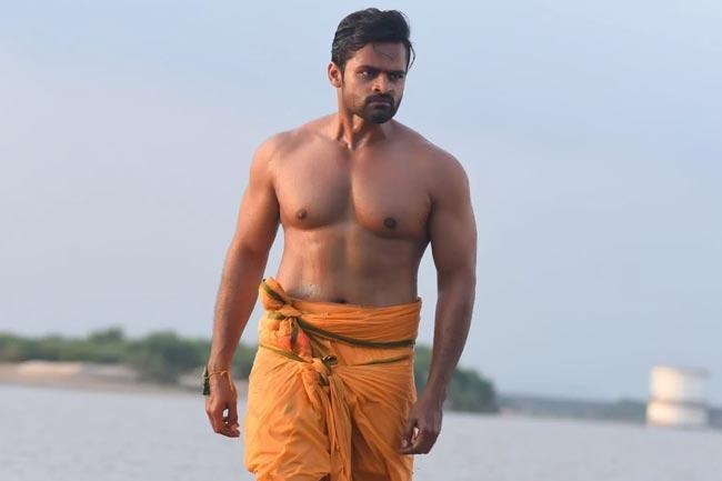Sai Dharam Tej Shows his Six Pack in Prathi Roju Pandage - Sakshi