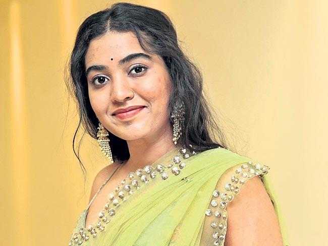 Rajasekhar Daughter Sivathmika In Krishna Vamsi film Ranga Marthanda - Sakshi