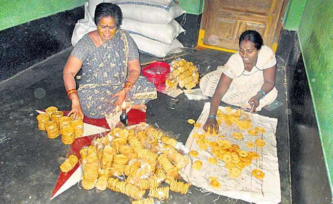 Anand Rao Food Business Famous At Srikakulam District - Sakshi