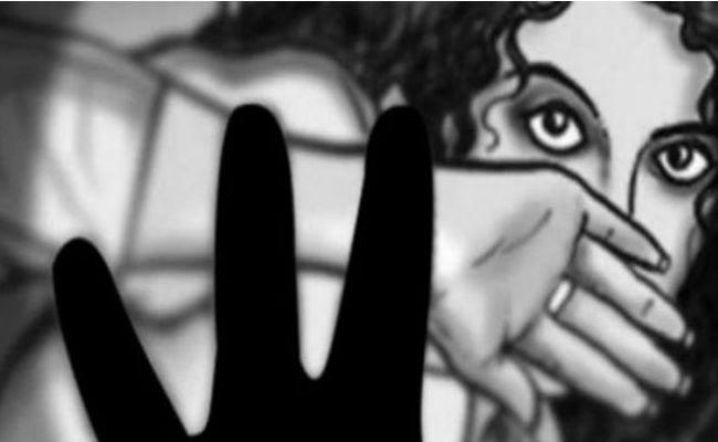 In Prakasam District Young Man Molested On Woman - Sakshi