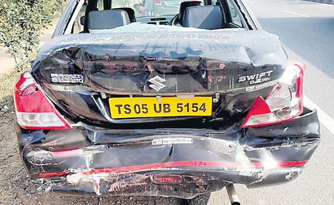 8 Members Injured in Bus Accident At Yadadri District - Sakshi
