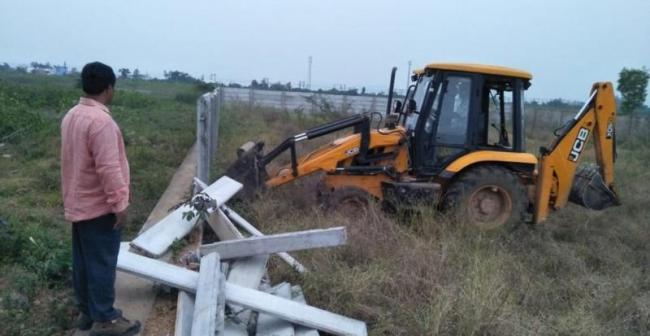 Land Occupations In Srikakulam District - Sakshi