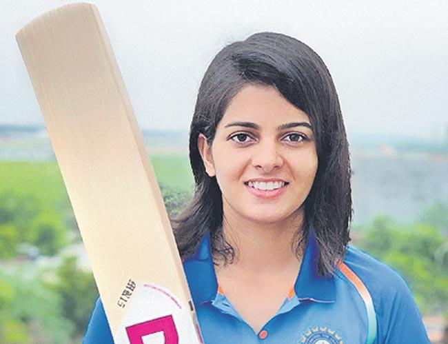 Priya Punia scores century but Australia win Second ODI - Sakshi