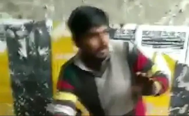 UP Biryani Seller Abused Over His Caste Near Delhi - Sakshi