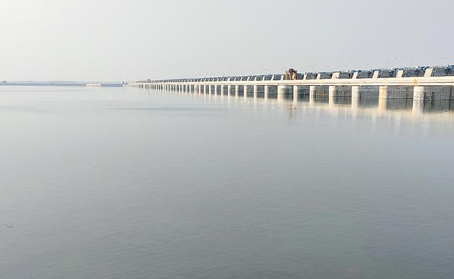 Satisfied Water Availability For The First Time In Godavari Projects - Sakshi