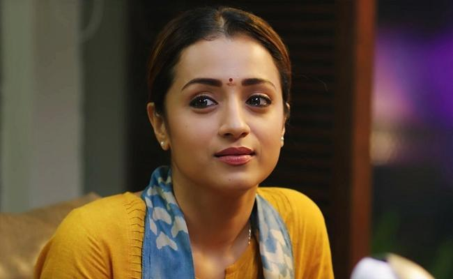 Actress Trisha Completes 17 Years Carrier In Film Industry - Sakshi