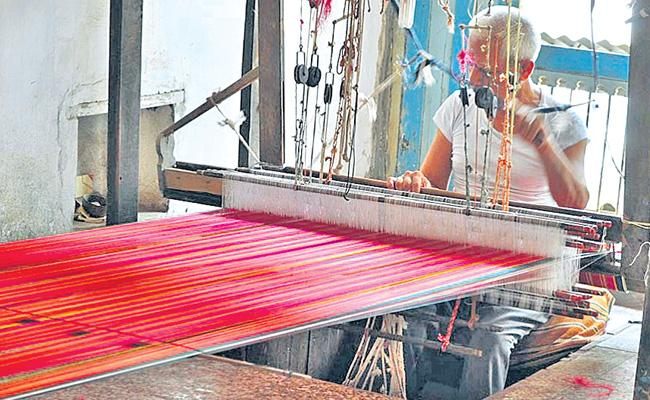 Good Demand For Handloom Products In Andhra Pradesh - Sakshi