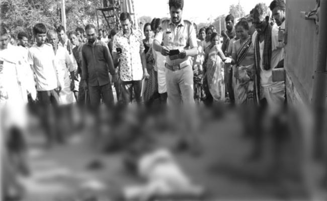 Seven Persons Died In Mahabubnagar - Sakshi