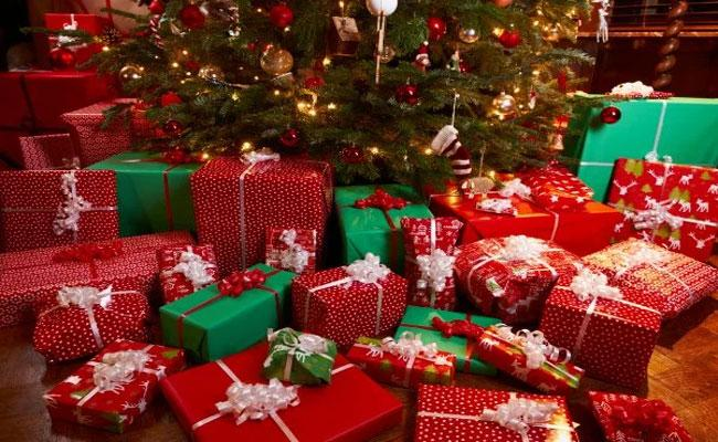 Government Gives Christmas Gifts For Every Constituency Family In Karimnagar - Sakshi