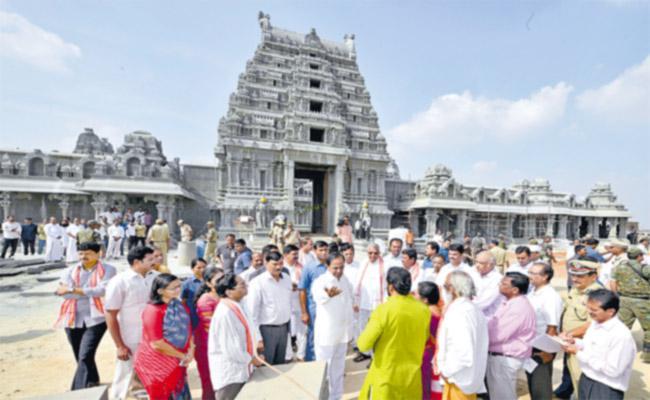 Telangana CM KCR Tour Of Yadadri - Sakshi