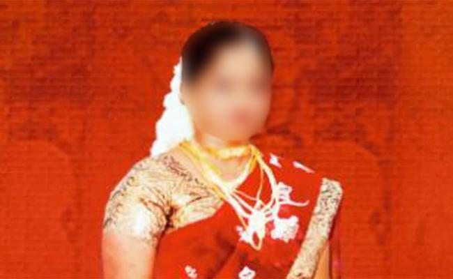 Cheating in Matrimony Sites Government Employee loss 2 lakhs - Sakshi