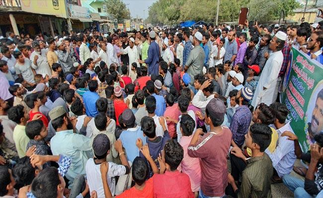 Family Members Protest Rally Over TRS Leader Murder In Nizamabad - Sakshi
