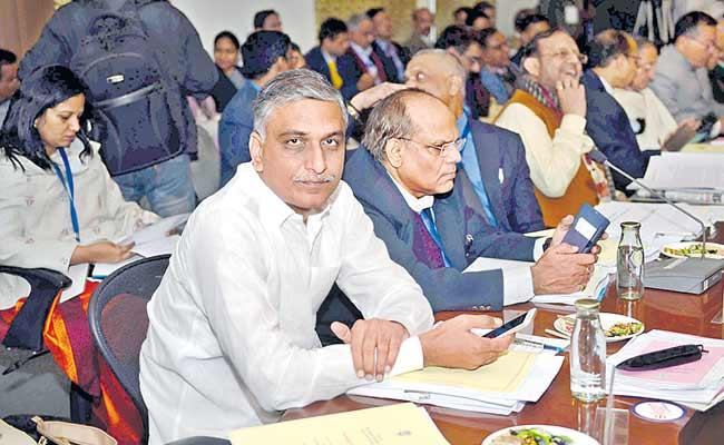 Harish Rao Asked The Center To Allocate Sufficient Funds For Telangana Projects - Sakshi