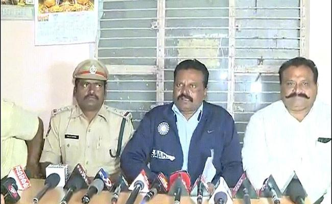 Police Officers Fires On Former MP JC Diwakar Reddy Over His Controversial Comments  - Sakshi