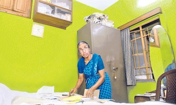 Retired College Teacher Donates 97 Lakhs To Education  - Sakshi