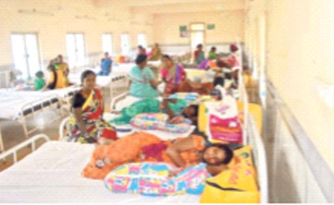 Deliveries Declining In Government Hospitals - Sakshi
