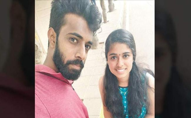 Bodies of Kerala techie couple found in Bengaluru families to be questioned - Sakshi