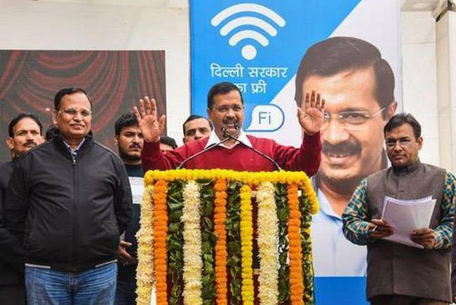 Kejriwal Launches Free WiFi Scheme On Day When Internet Cut Off - Sakshi