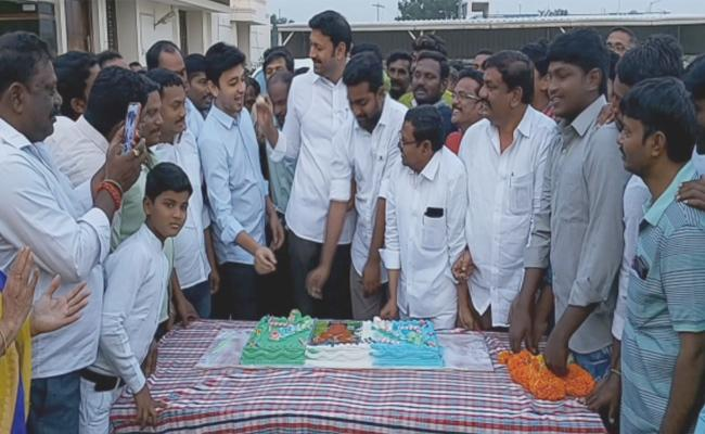 CM YS Jagan 47Th Birthday Celebrations In YSR Kadapa - Sakshi