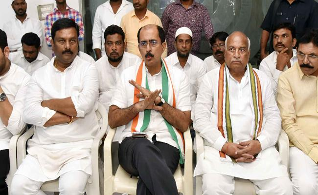 TRS Giving Support To BJP Says By Congress - Sakshi