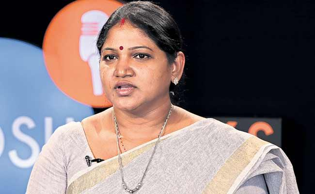 Pratibha Is The First Woman To Do Laundry Business In Telugu States - Sakshi