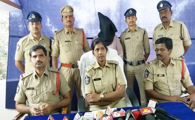 Man Arrest in Woman Murder Case West Godavari - Sakshi