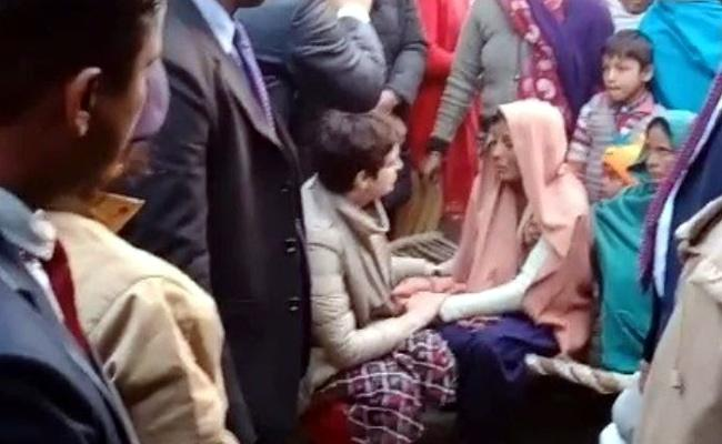 Priyanka Gandhi meets family of protester killed in anti-CAA stir in Bijnor - Sakshi