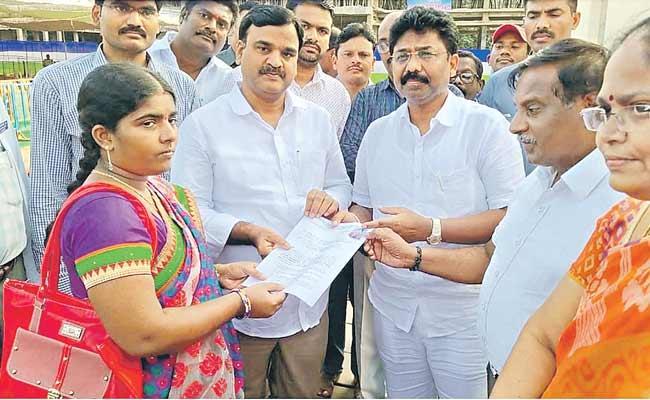 Recruitment Orders For Andhra Pradesh DSC 2018 Candidates - Sakshi